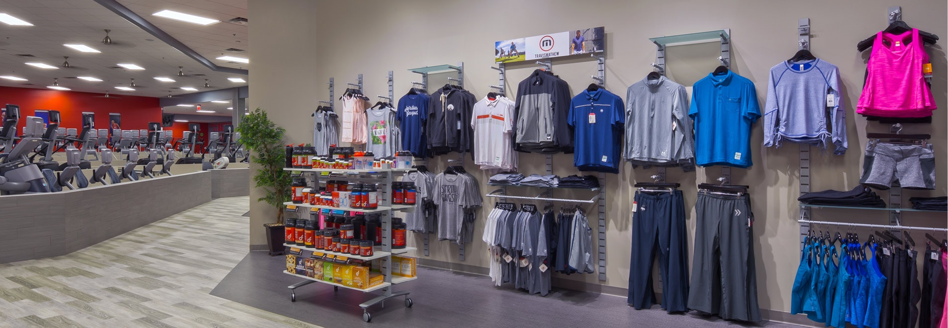<strong>SlatStrip</strong> <br>Clothing Displays