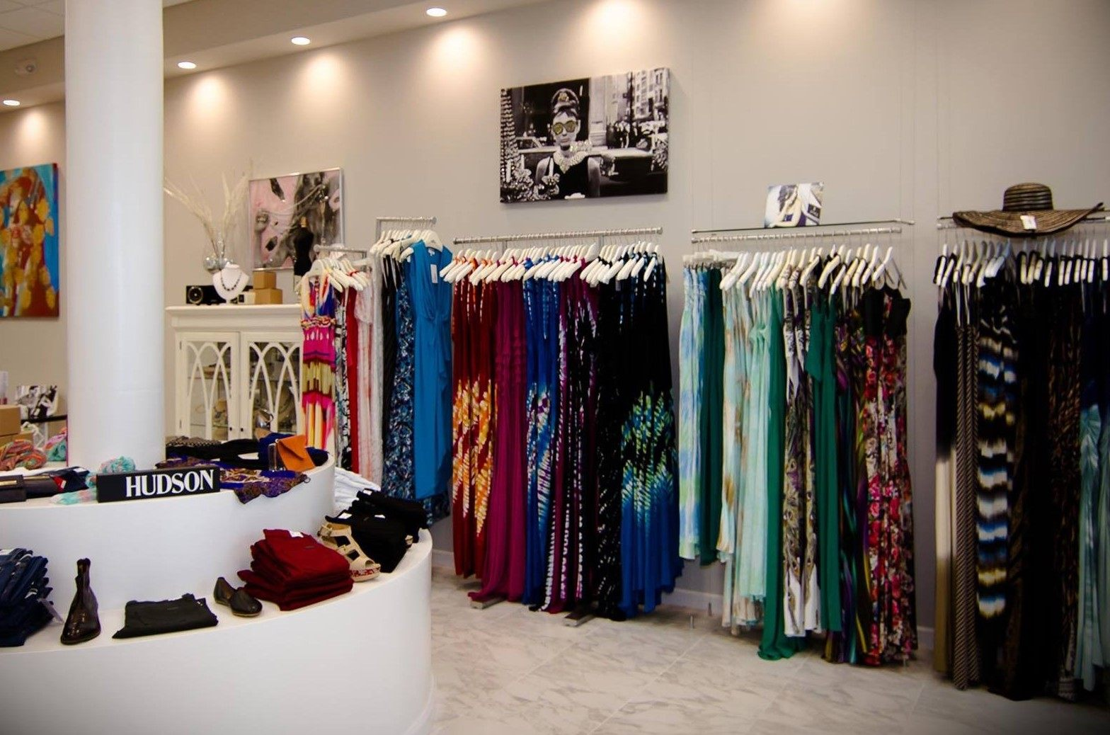 Picking the Right Clothing Displays for Your Fashion Boutique